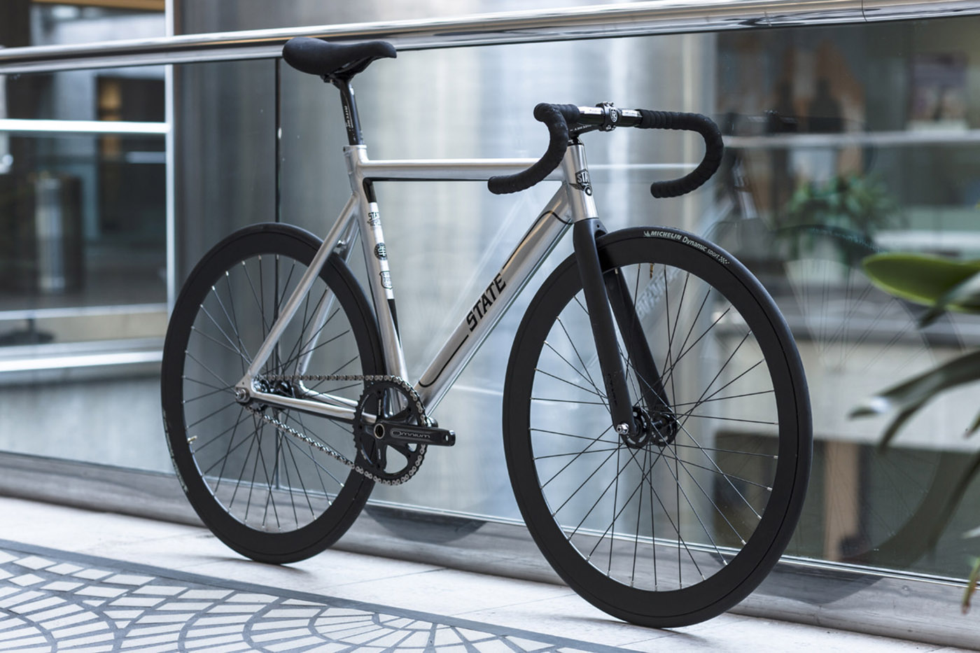 Fixie State Bicycle 6061 Black Label Undefeated